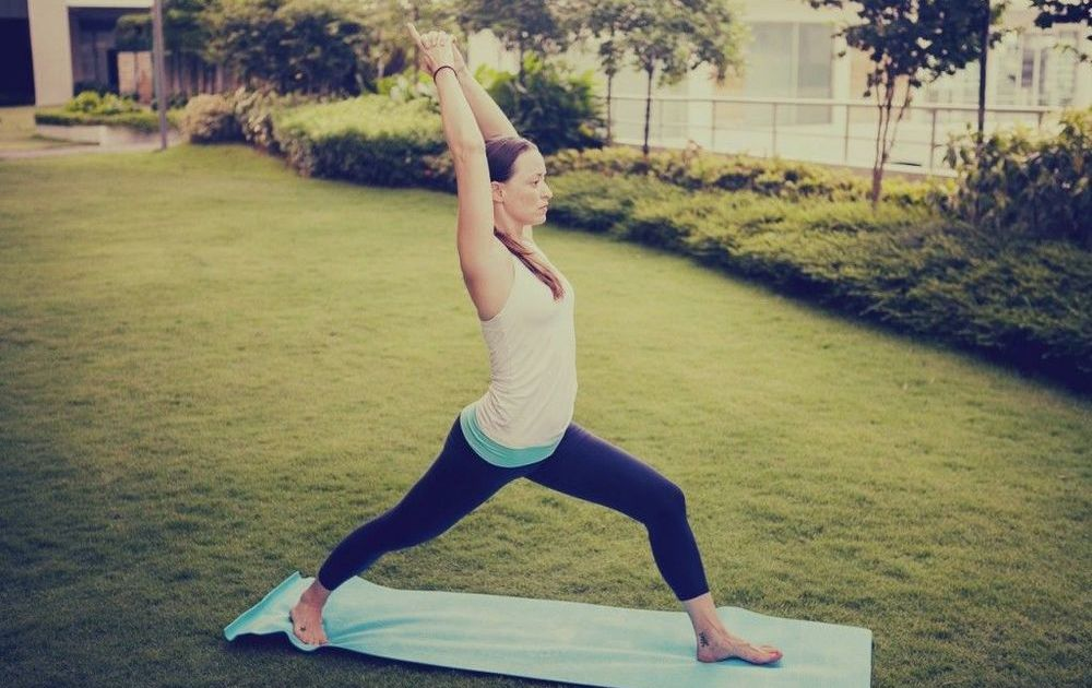 Coba 7 Gaya Yoga Ini Biar Betismu Ramping Dan Kakimu Terlihat Lebih Jenjang