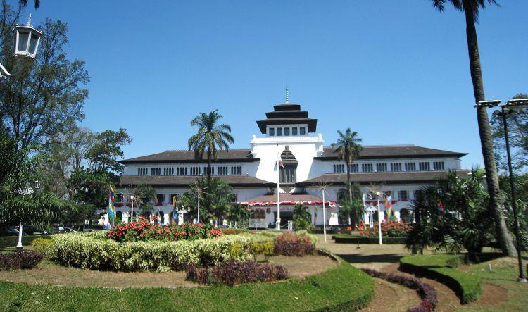 Pusat pemerintahan Kota Bandung, Gedung Sate.