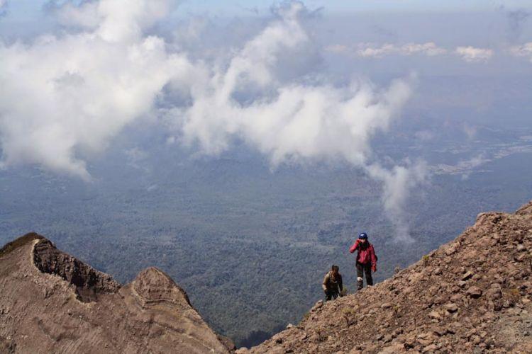 Pendakian Gunung Raung yang ekstrem