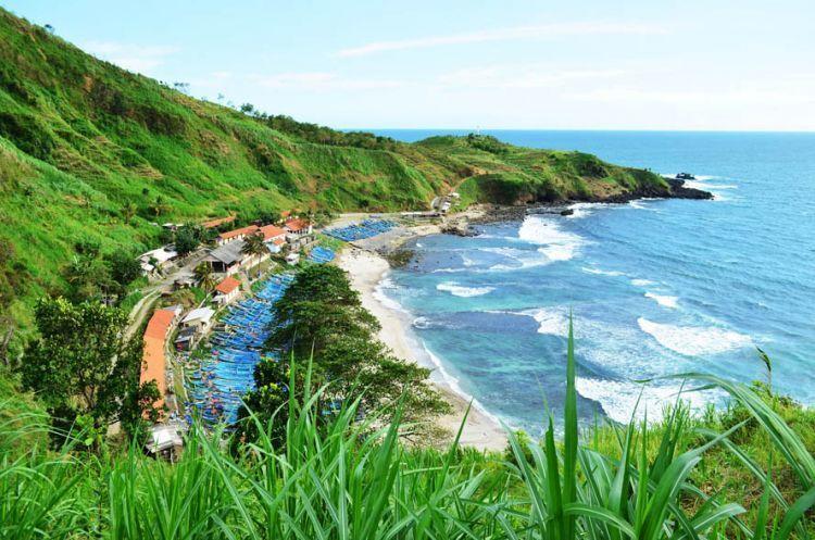 10 Pantai Paling Istimewa Di Jawa Tengah Yang Membuatmu Tak
