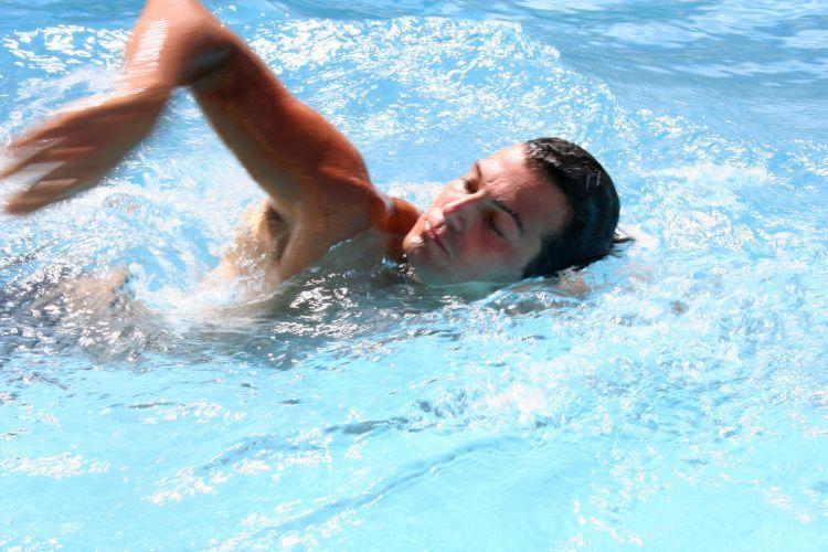 Berenang membuat napas teratur