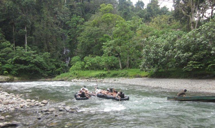 River tubing di kawasan Taman Nasional Gunung Leuser