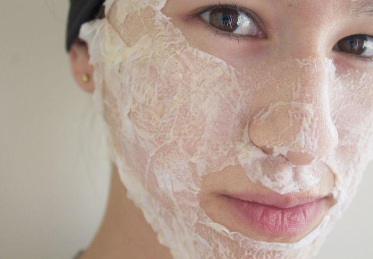 Masker wajahmu dengan putih telur