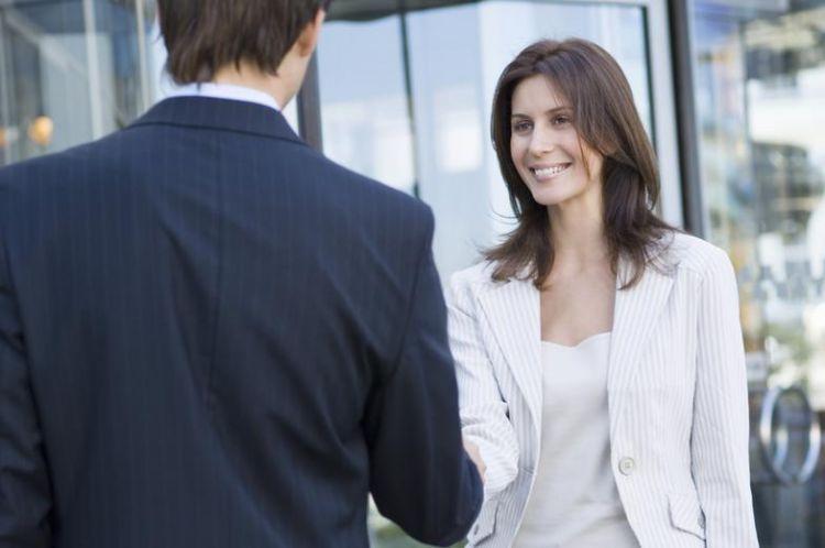 Berkenalan dan menjaga kontak agar bisa bertukar kabar untuk tes selanjutnya