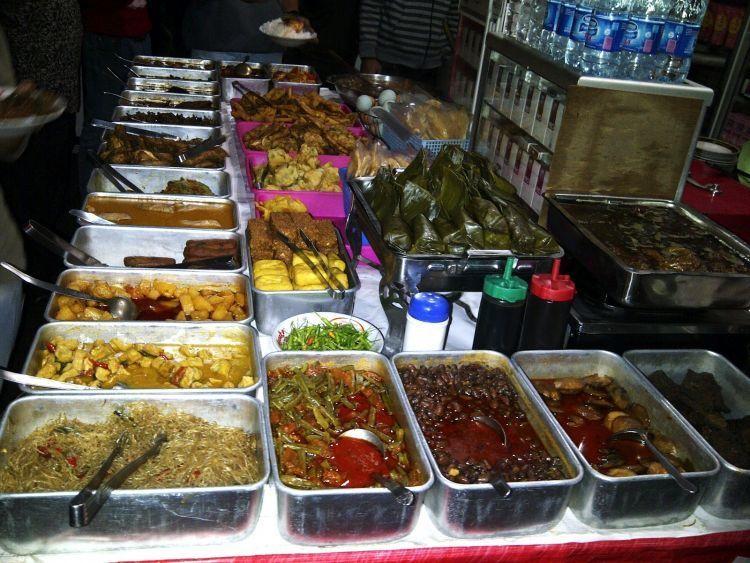 8 Ragam Kuliner Malam Yang Wajib Kamu Jajal Saat Bertandang