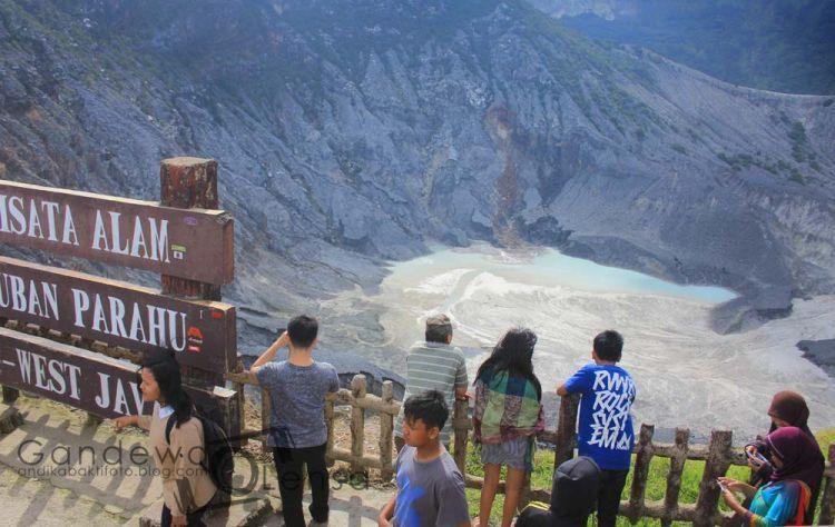 Tnagkuban Perahu gunung kebanggannya orang Bandung
