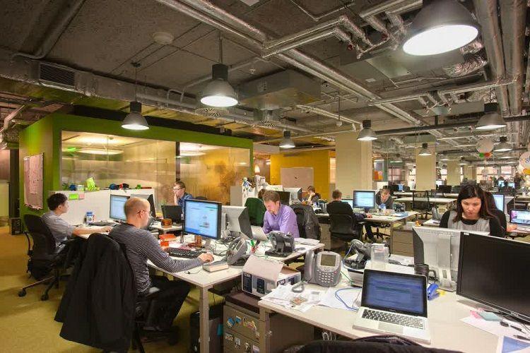Di perusahaan sekelas Google pasti juga ada beban kerja yang berat