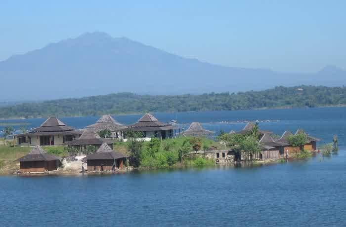Salah satu waduk terluas di Pulau Jawa