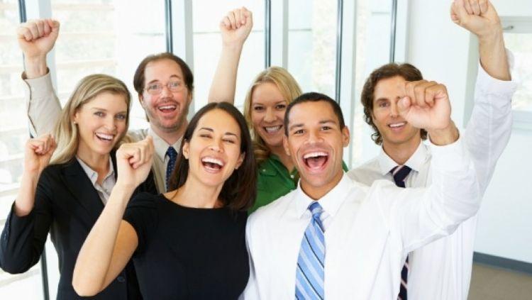 Bahagia begitu diterima kerja dan dapat gaji
