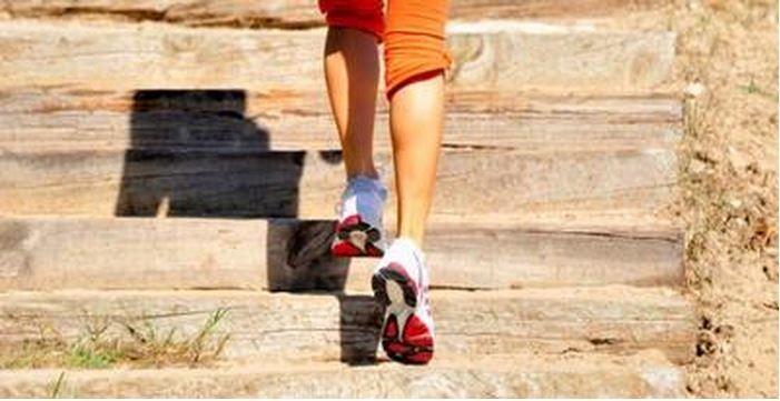 Mantapkan langkah dengan naik turun tangga