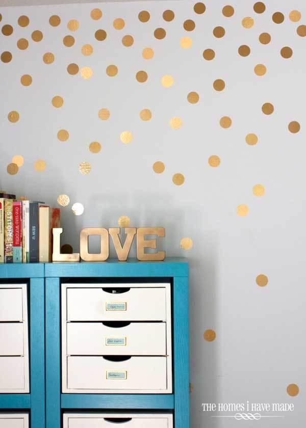 Polkadot berwarna gold di kamarmu