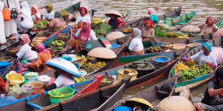 Pasar Terapung di Kalimantan Selatan