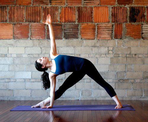 Posisi triangel yoga