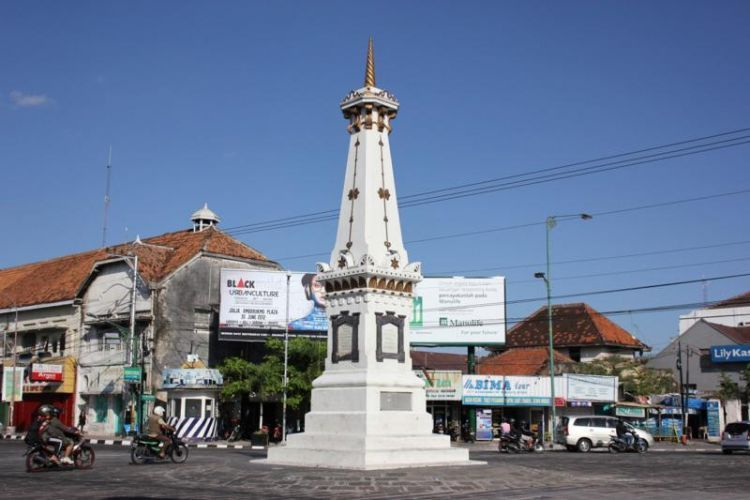 Lalu lintas di Kota Yogya yang tidak semacet Jakarta.