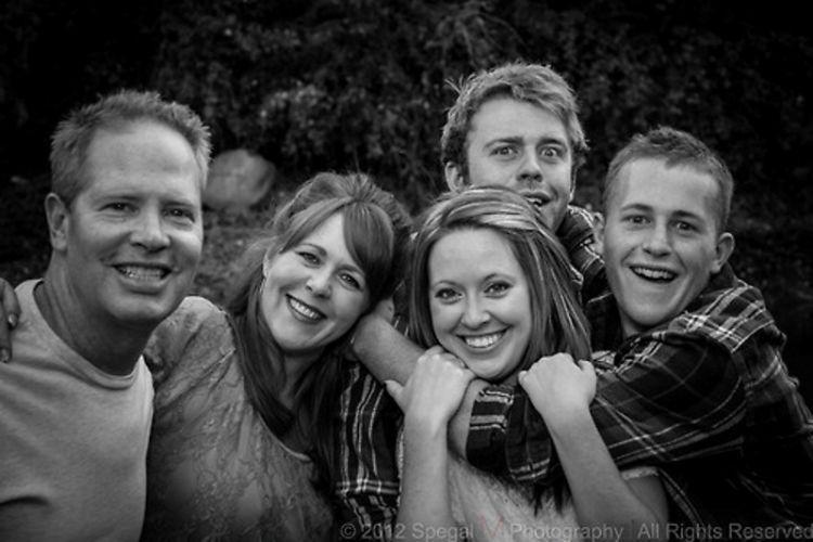 keluarga merupakan unsur terpenting untuk bahagia