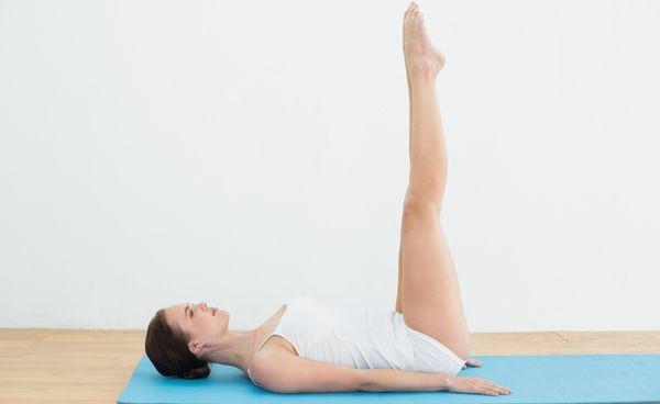 Menghilangkan perut buncit dengan gerakan yoga