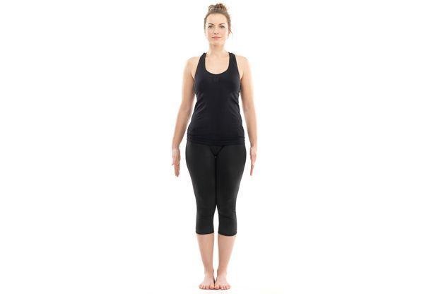 Pose pertama yoga untuk  menghilangkan perut buncit