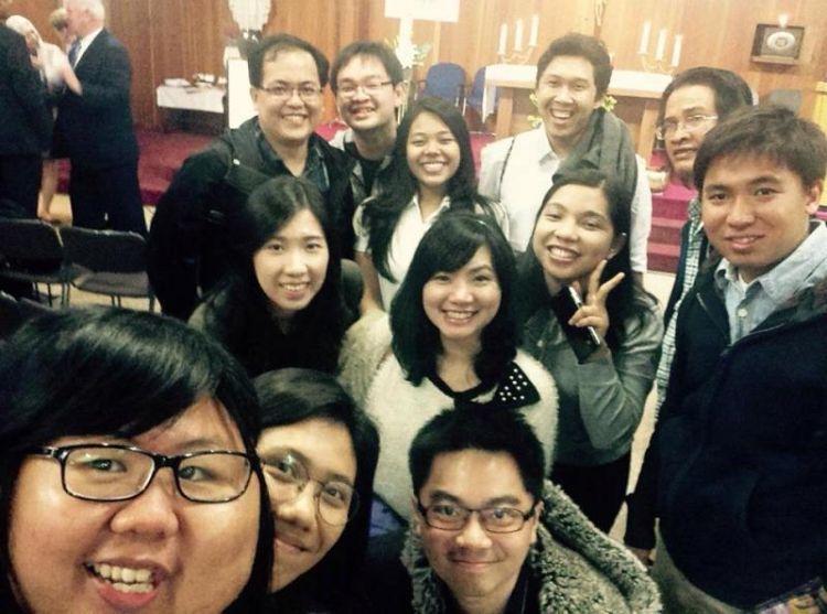 Bersama Komuntas Katolik Indonesia di Korea Setelah Misa Paskah 2015 (dok. Pribadi)