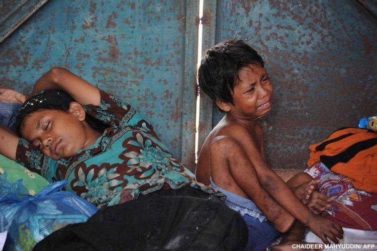 Semoga nilai kemanusiaan segera terjembatani, oleh kalian yang murah hati (Kredit: Chaideer Mahyudin, AFP)