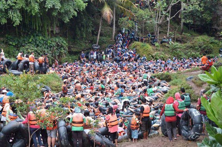 Turisme massal di Goa Pindul