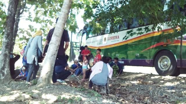 Bus mogok itu bikin kamu bete tingkat maksimum deh pokoknya