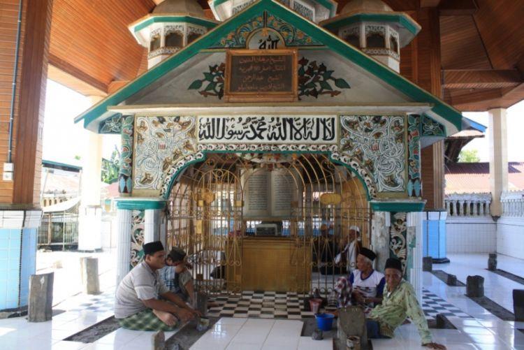 Komlek pemakaman Syekh Hasanudin