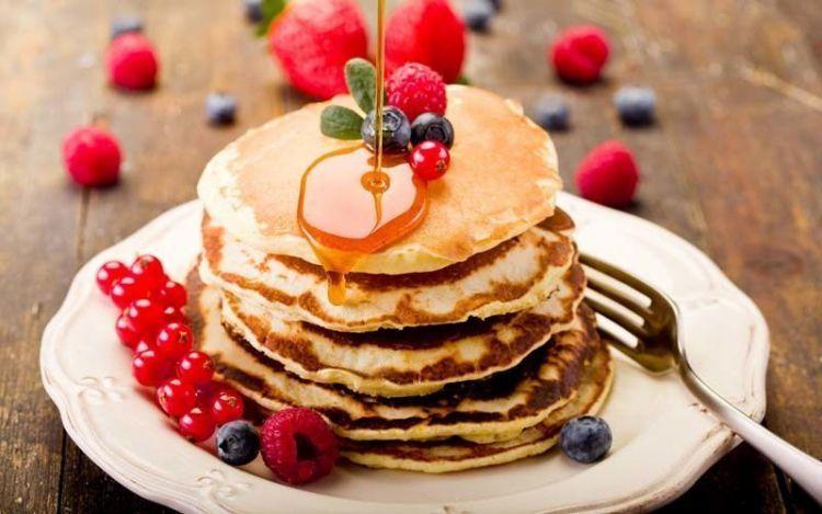 food_pancakes_crepes_honey_plate_berries_hd-wallpaper-71560