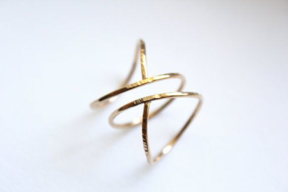 Cincin unik dan cantik
