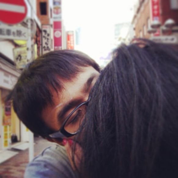 Ciuman di tengah jalan