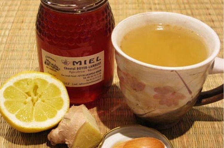 Jeruk nipis, madu, dan air hangat