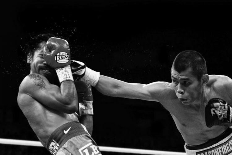 Sebuah manipulasi foto Chris John vs Pacquiao