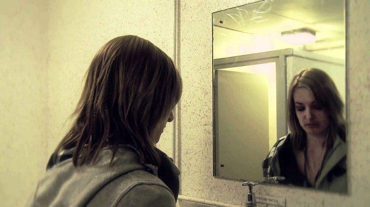 Nggak betah di depan cermin