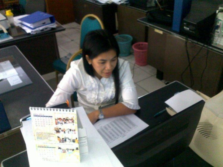 sibuk kerja