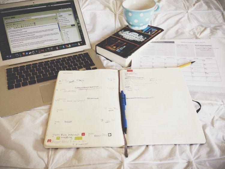 Pekerjaan online sampai pekerjaan lepas pun bisa kamu lakukan
