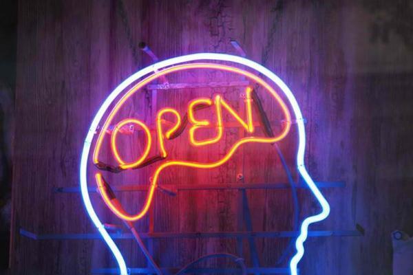 Memiliki pikiran yang terbuka