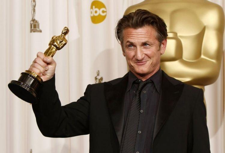 Sean Penn menang Oscar lewat akting primanya