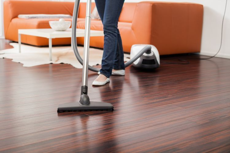 Selain meringankan tugas mama membersihkan rumah, sekaligus meringankan badan