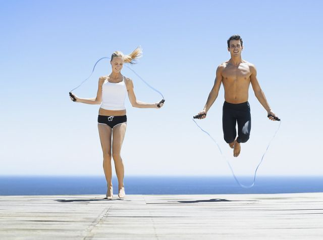 Lompat tali gak wajib dirumah aja