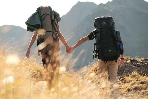 Bersama-sama menjalin hubungan yang sehat