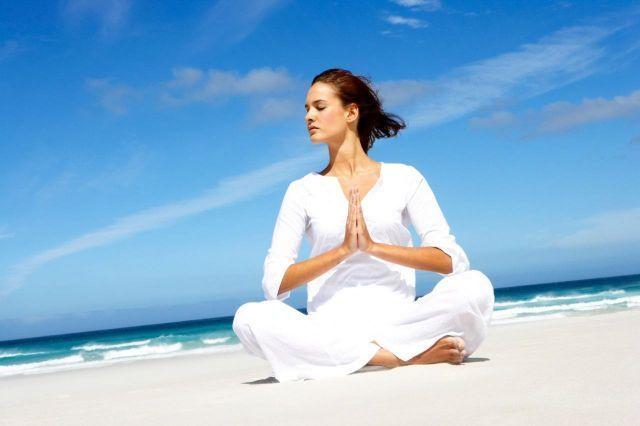 Yoga di Alam Bebas
