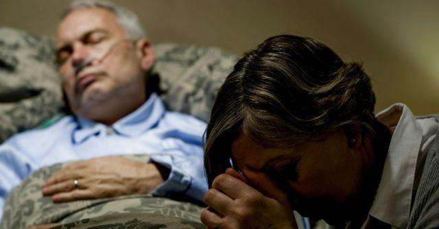 ayah terbaring lemah di rumah sakit