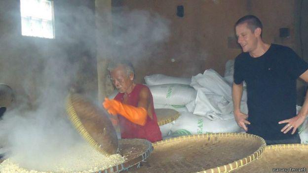 Belajar membuat tempe di Jawa
