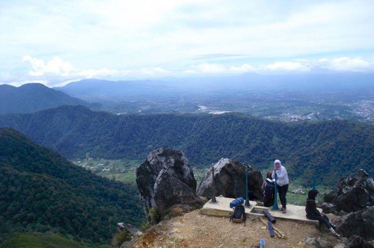 Puncak tertinggi Gunung Sibayak