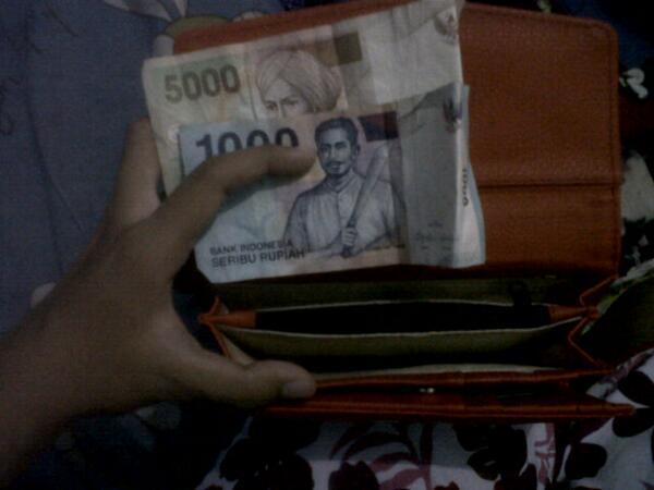 Lihat dompet dulu