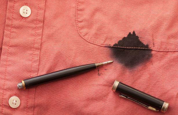 Cara menghilangakn noda tinta pada pakaian