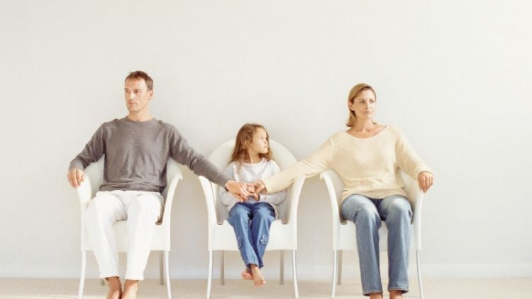 Untuk Ibu Dan Ayah Yang Dulu Memilih Tak Lagi Bersama Kini Anakmu