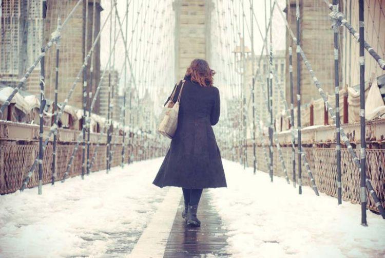 THE GIRL ON THE BROOKLYN BRIDGE