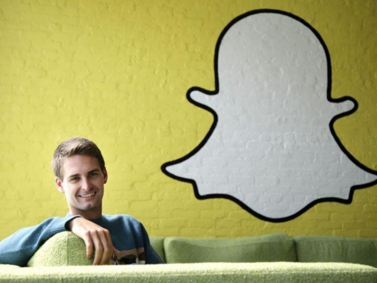 CEO Snapchat, Evan Spiegel. Pengusaha muda yang sukses.