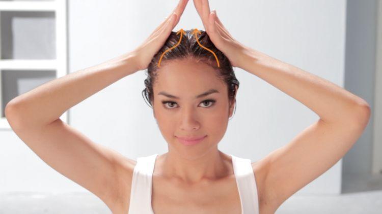 Gerakan craembath rambut sendiri di rumah