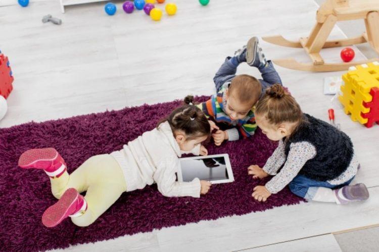 Cara mengatasi anak biar tenang saat resepsi